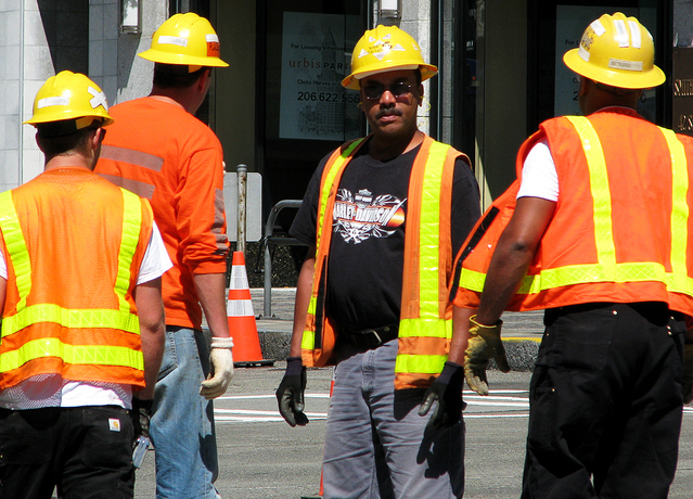 Proletarians_construction_workers-639x460.jpg